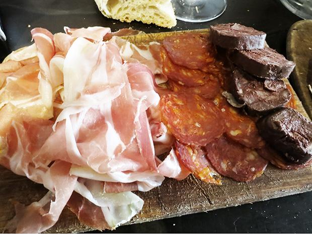 L'avant-comptoir - Jambon Ibaiona et Chorizo d'Eric Ospital, Boudin noir de Philippe Camdeborde