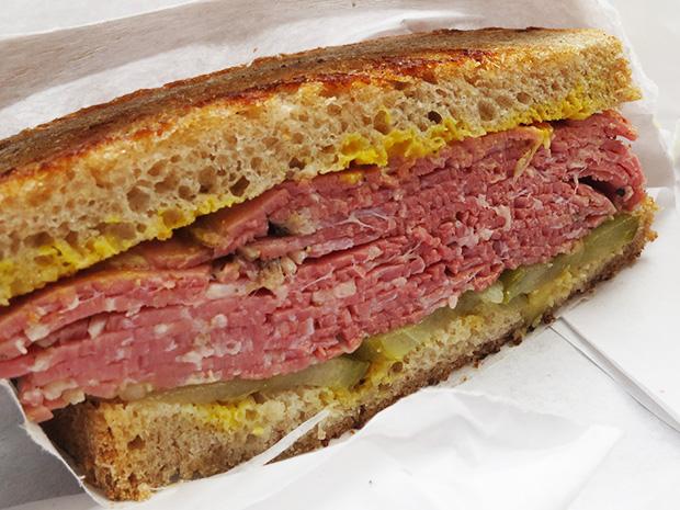 Freddie's Deli - Goodman, sandwich pastrami