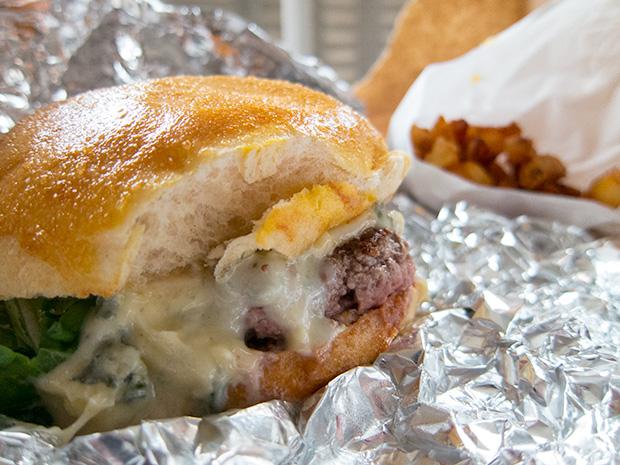 Le ruisseau - Blue cheese burger et frites