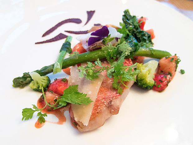 La Mare aux Oiseaux - Rouget, fraise, olive et parmesan