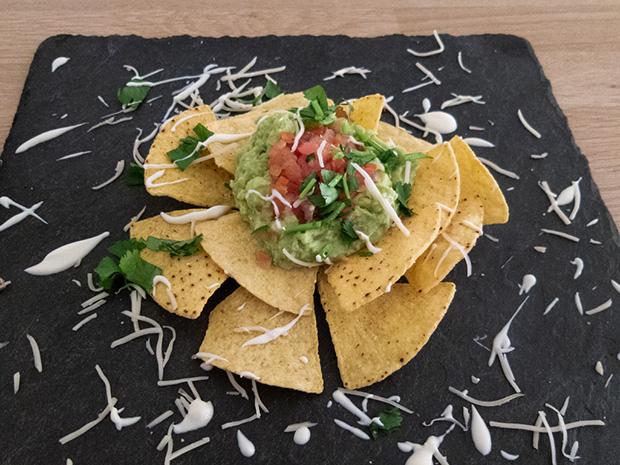 Maria Cantina - Guacamole, tortilla chips
