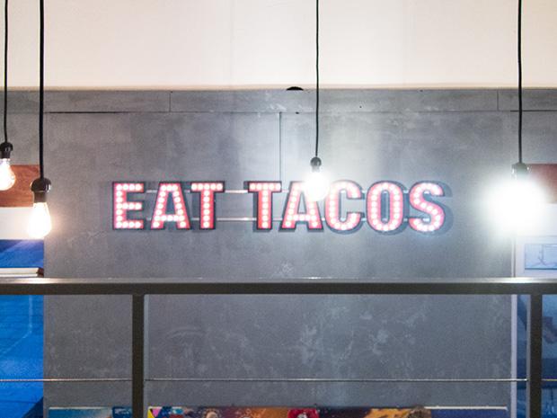 Maria Cantina - Eat tacos